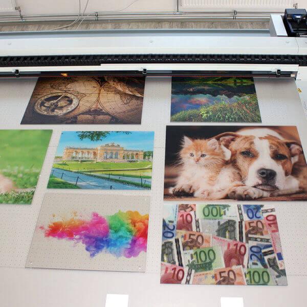 Bei einem Druckvorgang können gleich mehrere Bilder in unterschiedlichen Qualitätsstufen gedruckt werden