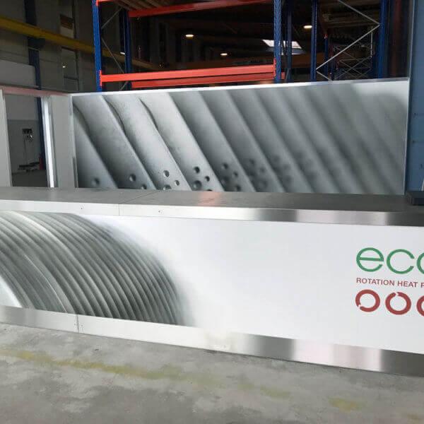 ecop Ladenbau für Lager mit Metallleisten