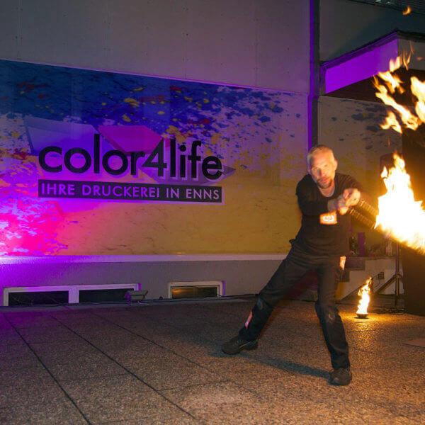 Spektakuläre Feuerstunts in Enns