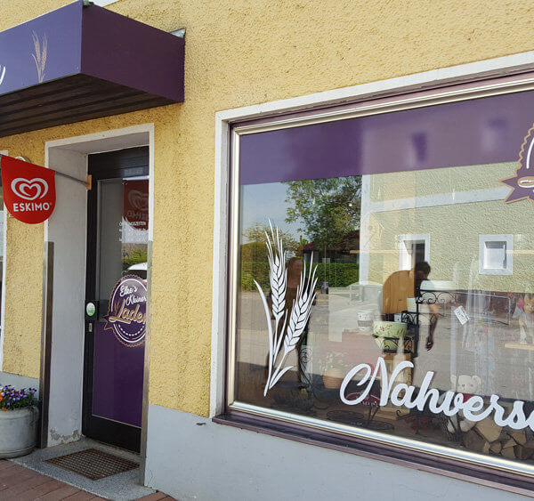 Firmenbeklebung, Schaufenster Elkes kleiner Laden