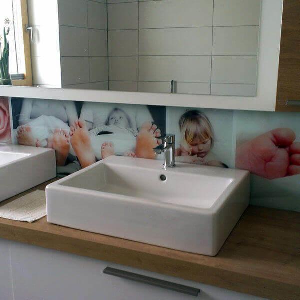 Glasbedruckung als Wandbeklebung für ein Badezimmer