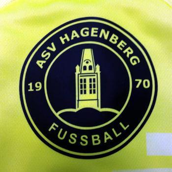 ASV Hagenberg - Logo auf grünem Trikot aufgedruckt